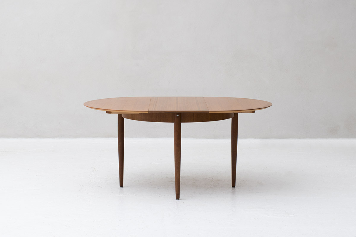 Rond To Oval Kitchen Table