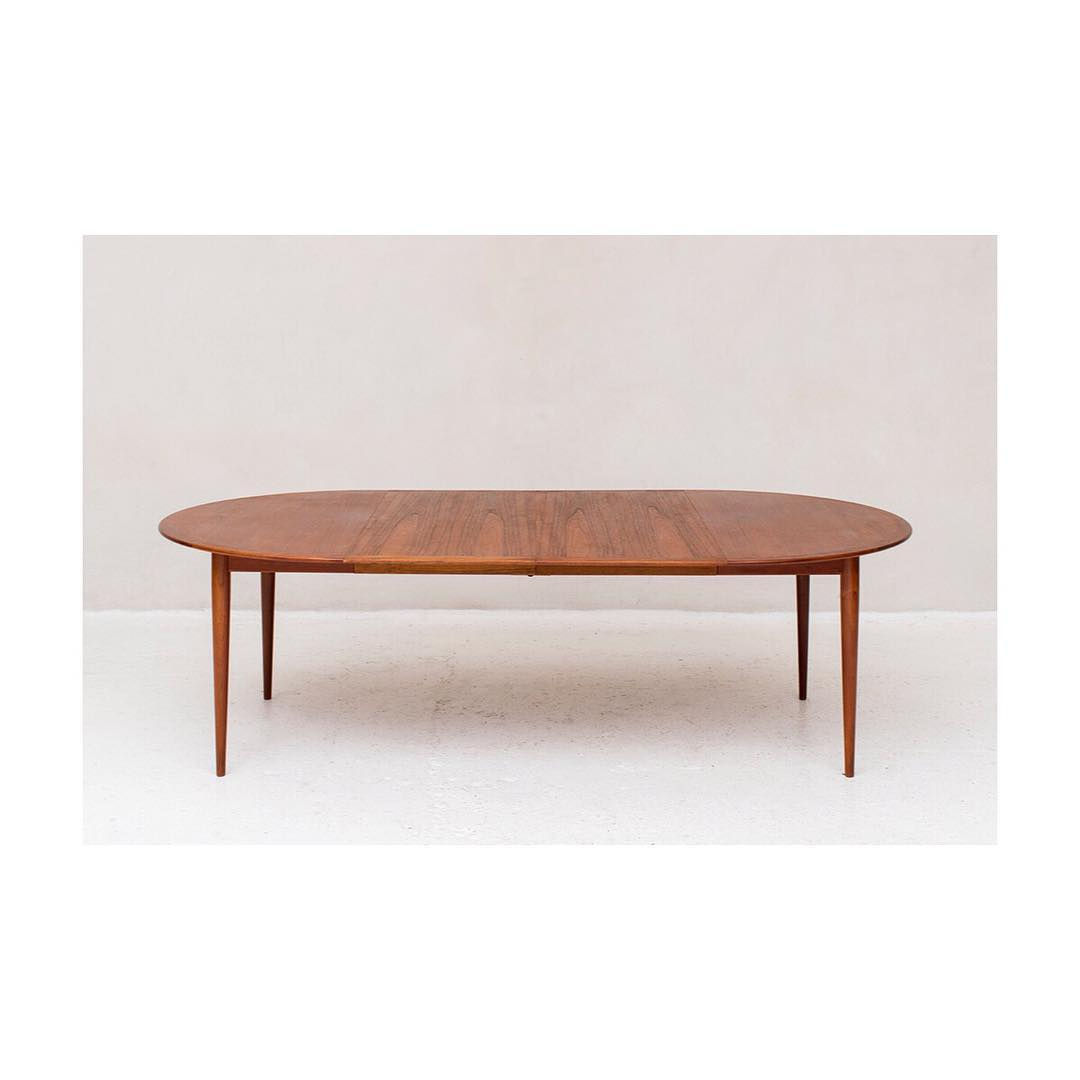 So much response on this amazing Grete Jalk dining table (245cm length). Although you'd better be fast when we update our collection… this one was on hold only a few minutes after we placed it online. If you are interested and want to receive news when the table would be available again, please email us: contact@nomefurniture.com. 💌