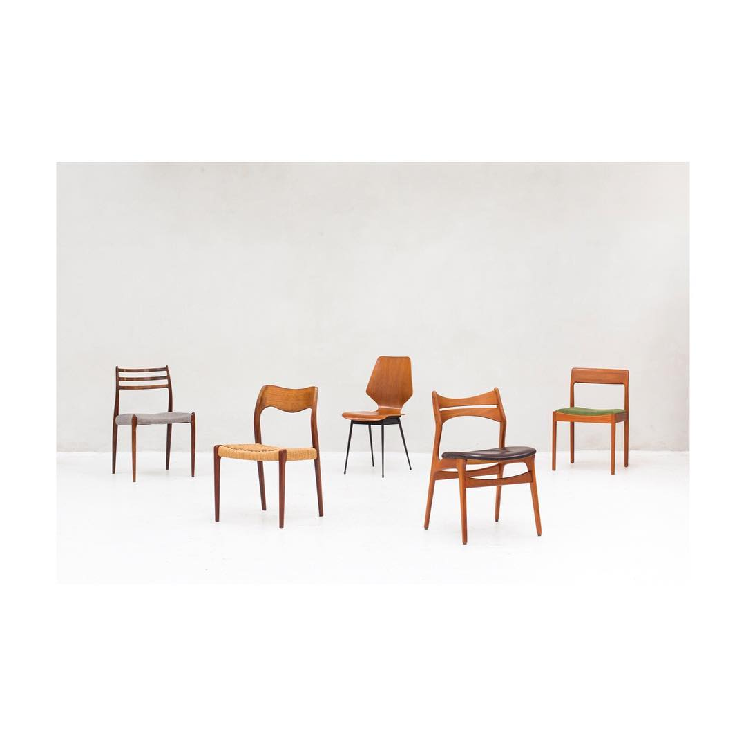 A small selection of our dining chairs 〰️