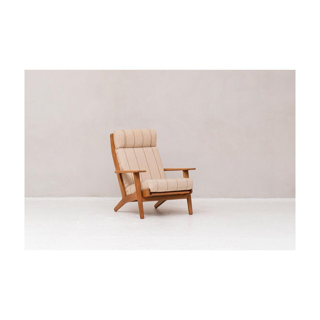 Highback lounge chair, GE290, designed by Hans J. Wegner and produced by Getama in Denmark around 1960.